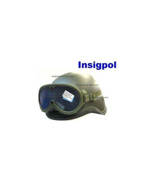 GREEN AIRSOFT HELMET AND GOOGLES.RESISTANT AND ADAPTABLE