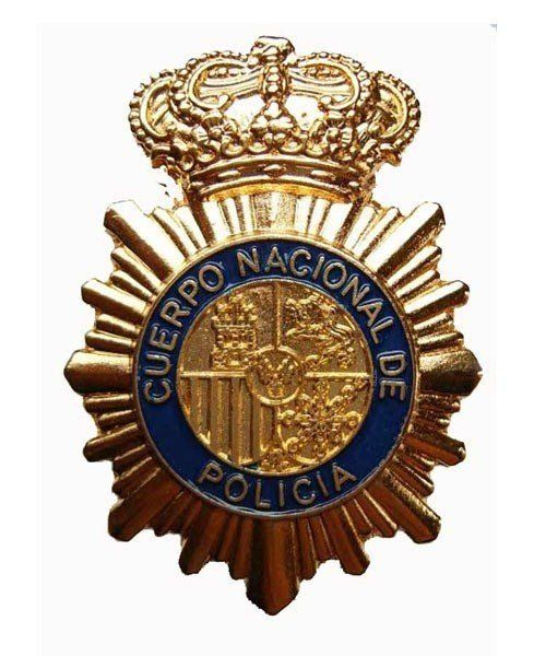 NATIONAL SPANISH POLICE HAT BADGE
